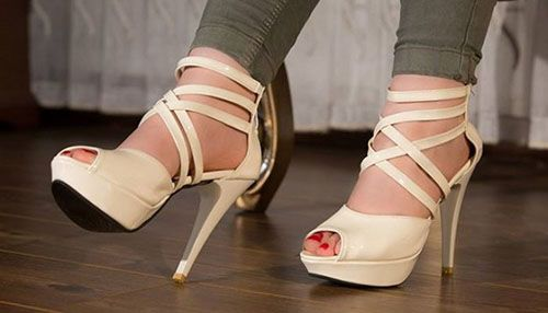 مدلهای کفش مجلسی پاشنه بلند زنانه و دخترانه در انواع طرح ها ویژه دختر خانم های خوش سلیقه