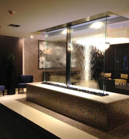 طراحی های مدرن آبشارهای شیشه ای, آبشارهای شیشه ای مدرن