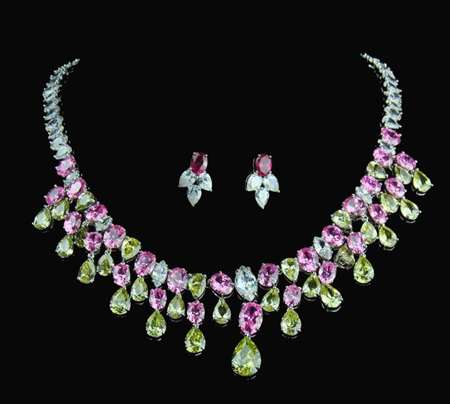 سرویس های شیک جواهر, مدل طلا و جواهر