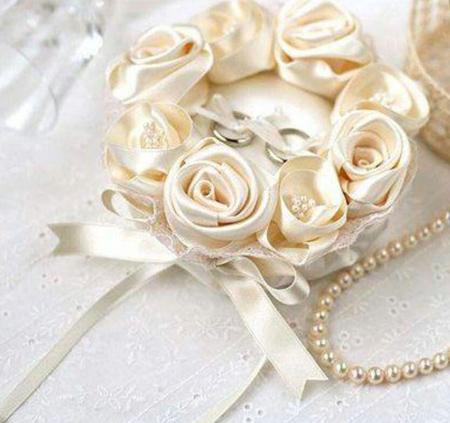 جاحلقه های عروس و داماد, مدل جاحلقه ای