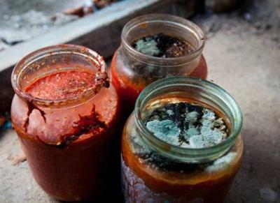 جلوگیری از کپک زدن رب گوجه, کپک زدن آبغوره