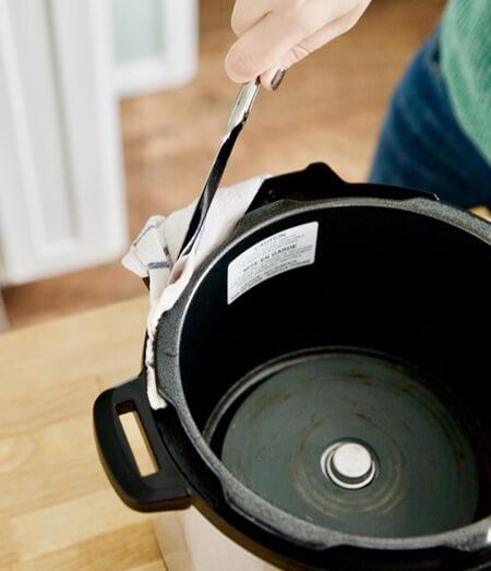 تمیز کردن زودپز برقی با بخارشوی, طرز تمیز کردن زودپز برقی با بخارشوی لباس, نکاتی برای تمیز کردن زودپز برقی