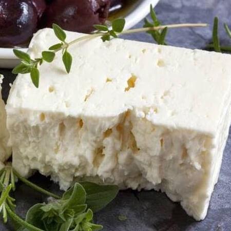 مواد مغذی موجود در پنیر فتا,فواید پنیر فتا