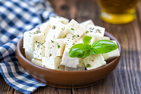 فایده های پنیر فتا, خواص داروئی پنیر فتا