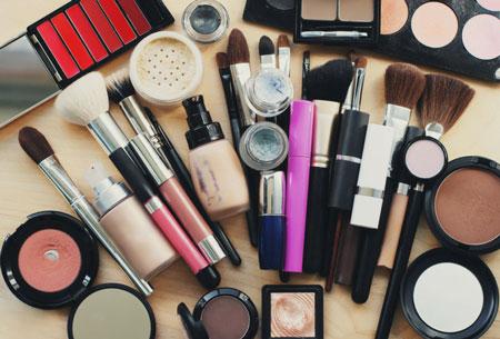 استفاده مشترک از این لوازم ممنوع, استفاده مشترک از لوازم آرایش, لوازم آرایشی مشترک