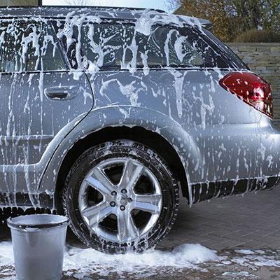 شستشوی صندلی ماشین در خانه,از بین بردن رسوب آب از روی بدنه ماشین