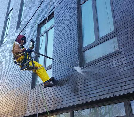 تمیز کردن نمای ساختمان با مواد شوینده, شوینده های مناسب برای تمیز کردن نمای ساختمان