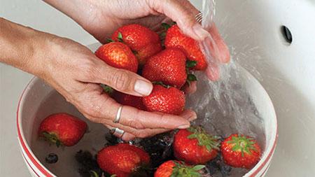 راهنمای شستن توت فرنگی, روش ضدعفونی کردن توت فرنگی