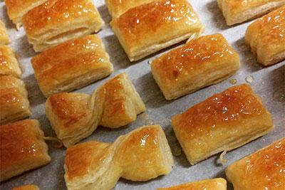 شیرینی زبان خانگی,شیرینی با خمیر هزارلا