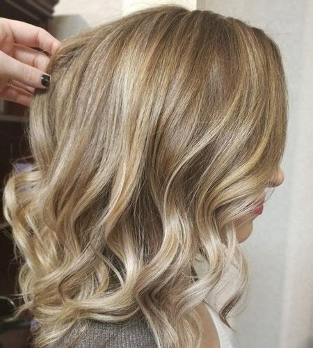 رنگ موی عسلی,رنگ موی عسلی را با چه ترکیبی درست کنیم,انواع رنگ مو بلوند عسلی