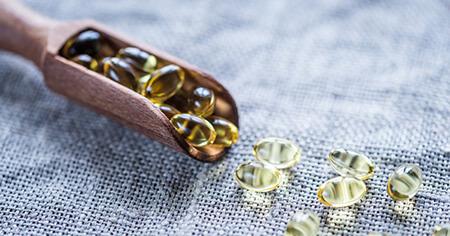 نحوه ی از بین بردن لکه های قرص از لباس و فرش, مراحل تمیز کردن لکه ها از روی لباس و فرش, تمیز کردن مرحله ای لکه ی قرص ماهی