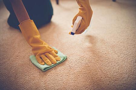 نکاتی برای تمیز کردن لکه ها, تمیز کردن لکه های روغنی از لباس, تمیز کردن لکه های روغنی از فرش