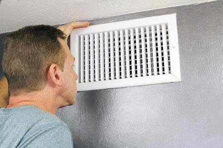air conditioner odor 2 دلایل بوی بد کولر آبی چیست و چگونه میتوان آن را برطرف کرد؟