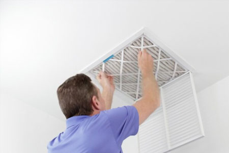 air conditioner odor 4 دلایل بوی بد کولر آبی چیست و چگونه میتوان آن را برطرف کرد؟