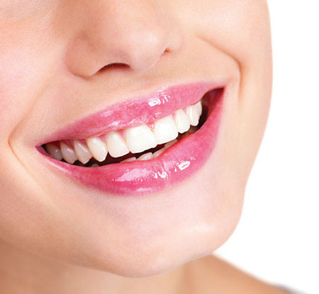 attractive smile makeup 1 چگونه با آرایش لبخند جذاب داشته باشیم؟