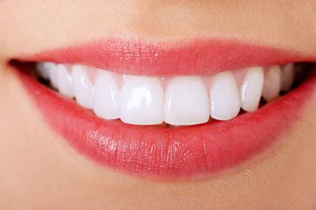attractive smile makeup 3 چگونه با آرایش لبخند جذاب داشته باشیم؟
