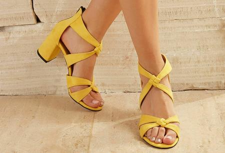 ست کردن لباس با کفش پاشنه بلند,ست کردن با کفش پاشنه بلند رنگی
