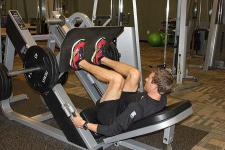 leg press 05 پرس پا چیست؟ + فواید و مقایسه پرس پا با اسکات