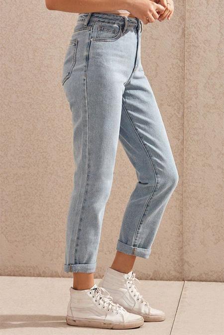 mom3 style pants4 شلوار مام استایل چیست؟ + مدل های شلوار مام استایل