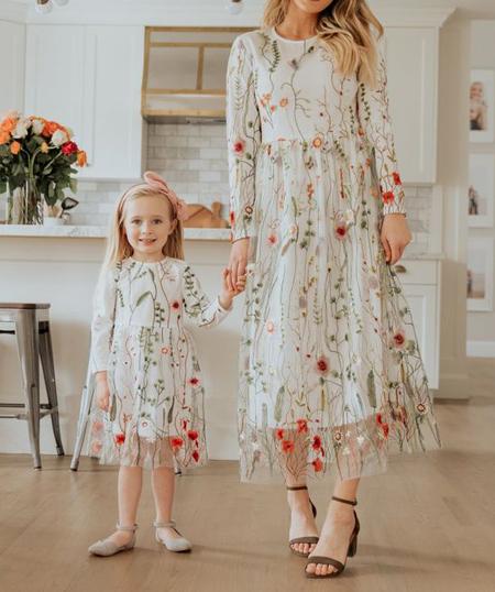 جدیدترین پیراهن های مادر و دختر,ست پیراهن گلدار مادر و دختر