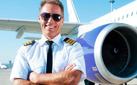 passenger3 pilot uniform9 ویژگی های لباس فرم خلبانی مسافربری + عکس