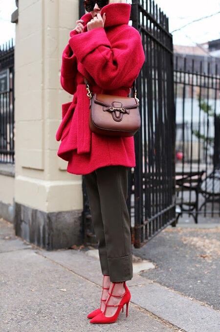 بهترین رنگ شال برای مانتو قرمز,بهترین رنگ برای ست کردن با مانتو قرمز,ایده هایی برای ست با مانتو قرمز