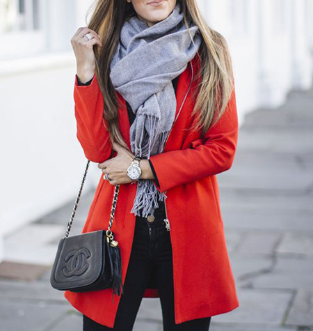 بهترین رنگ های مناسب برای ست کردن با قرمز,راهنمای ست کردن مانتو قرمز,بهترین رنگ شال برای مانتو قرمز