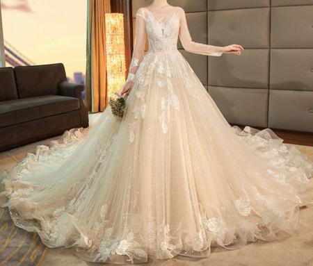 tips3 choosing3 bridal2 dress11 آشنایی با انواع لباس عروس + نکاتی برای انتخاب لباس عروس
