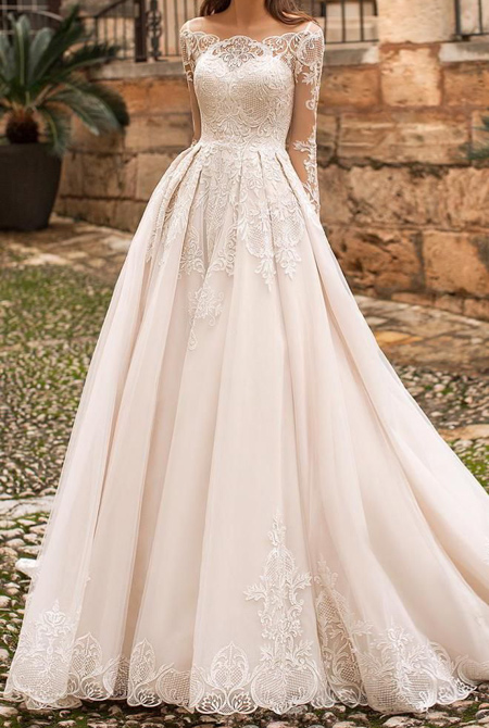 tips3 choosing3 bridal2 dress16 آشنایی با انواع لباس عروس + نکاتی برای انتخاب لباس عروس