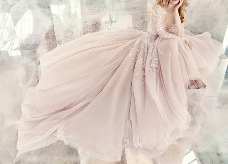 tips3 choosing3 bridal2 dress19 آشنایی با انواع لباس عروس + نکاتی برای انتخاب لباس عروس