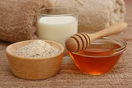 پاکسازی پوست با ماسک شیر و عسل, ماسک شیر و عسل برای پوست خشک, ماسک شیر و عسل و زردچوبه