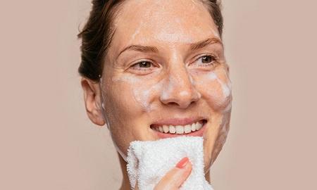پاکسازی پوست خشک, روشهای پاکسازی پوست خشک, پاکسازی پوست خشک در منزل