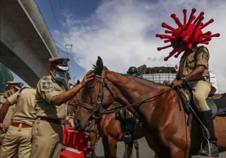 عکسهای جالب,عکسهای جذاب,پلیس سواره هند